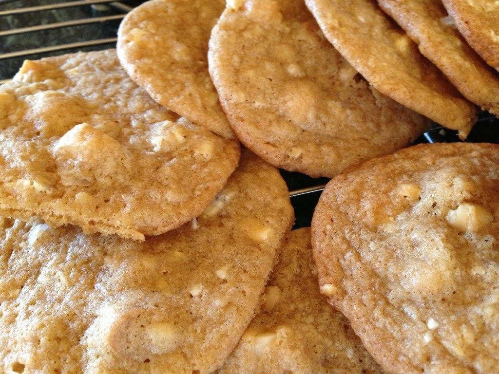White Chocolate Macadamia Nut Cookie | Yummy Dessert Recipes!