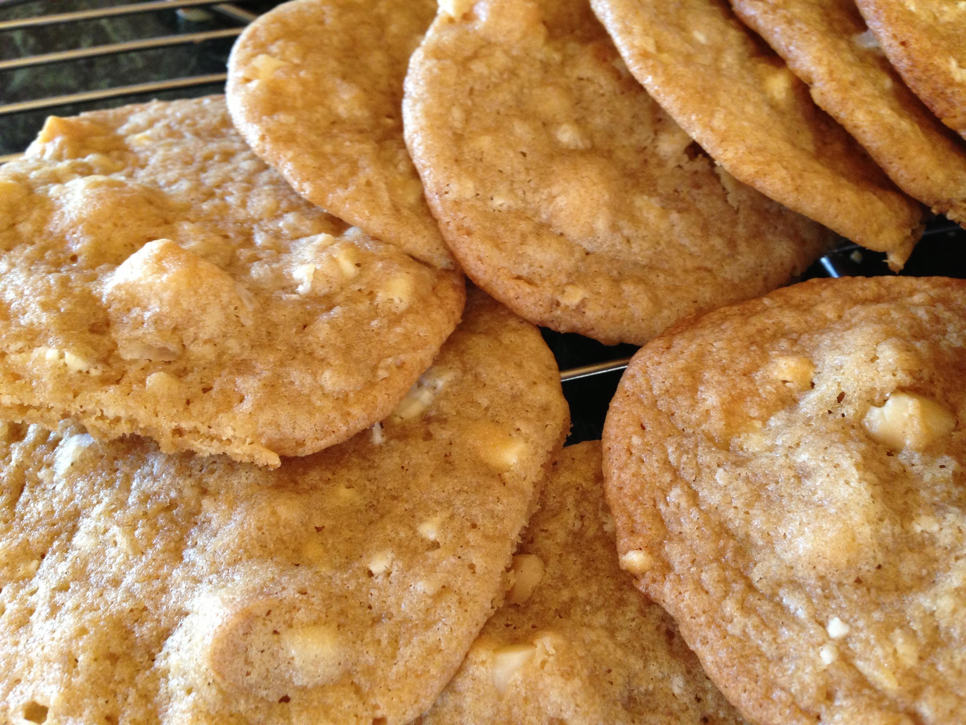 White Chocolate Macadamia Nut Cookie | Yummy Dessert Recipes ...